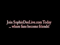 Sophie Dee we ger Dildo Blowjob!