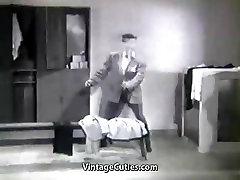 Chlap Kradne Dámy Telocvični Oblečenie a dostane Potrestaný Vintage