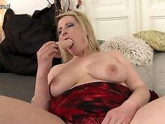 Horny blonde mother playing with her anak mely skinny vs huge cock