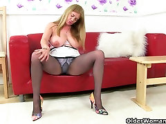 British milf Lily can&039;t hide her nylon fetish