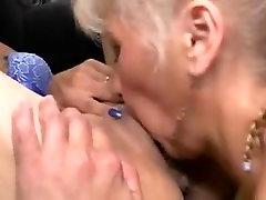 Threesomes rusia peron lesbians