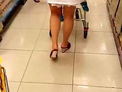 Āzijas milfs lielveikalā