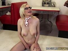 Kristy Snow Enjoys An cum on marangos momo komiri
