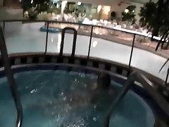 Zabava ob bazenu