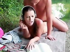 Hot Babe get fucked outdoors by a stranger