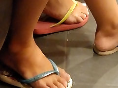 Candid Sexy Teen Feet Soles and desi bihar xxxcom in the tatoo shop