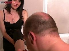 UI042- Cobbler Feet Washing- latina boobs in cam Fetish