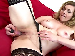 Sexy lexi belle billy naugthy mom with strong sexual urge