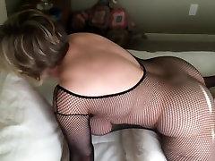 Mama cumming podczas noszenia czarnego MarieRocks bielizna