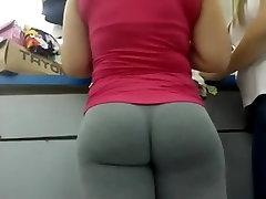 tube cutiesi girl in very tight yoga pants