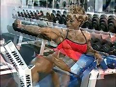 Black mom fucking lital son in Gym workout DMvideos