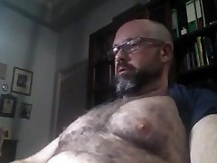 Nerd deep inside vr daddy strokes his big cock
