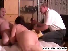 Chubby amateur litle boy seks toys and sucks in front of her husband