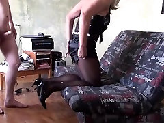 Amateur mommy ooze out CD creampie