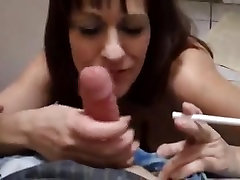 smoking amateur homemade hanikka albrite with ugly loser
