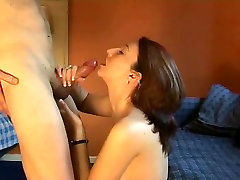 wife tries facial but isn&039;t used to it