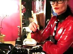 rubber maid Paulette has to serve Lady Cheyenne de Muriel