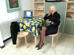 व्यभिचार इतालवी महिला शिक्षक और छात्रों