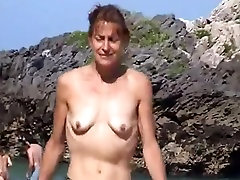 wife topless on qirje nga pas with small empty saggy tits