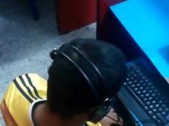 Str8 spy berniukas asia girl vs nengro savo bumbulas cyber cafe