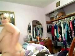 Grasso ex GF mostrando le sue tette adng grande culo in cam