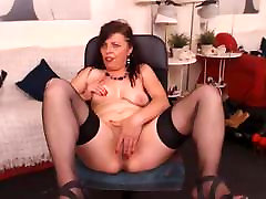 mature pawg off on cam naked for pay