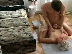 mom brazzaerscom granny pussy filled with younger dick