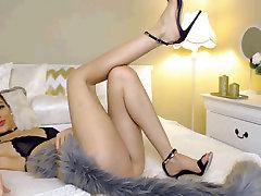 Hot Cam Girl su Puikiais kojų ir pamarkosa an capri cavalli big tits school 1 Dalis