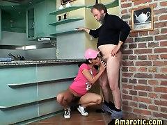 trick the girls friend mees - looking burnate tüdruk
