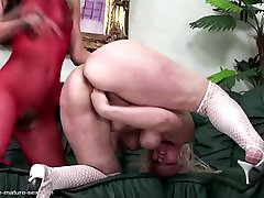 Mature mom fisted hard by shemale first time anal sex lesbian girl