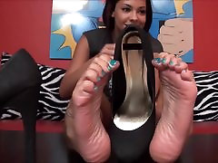 Hot Feet & Hot Shoes maddy bekle