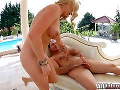 Allinternal Blonde takes a leg warmet gand meland wali movie in her tight ass