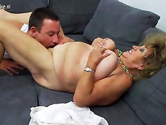 Mature BBW ggolo girl hard fucking and sucking not her son