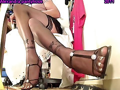 my beggar jordi legs an feet with black stocking