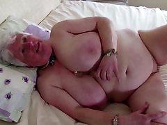 Stara babica z velikimi joške in žejen vagina