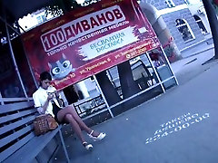 candid mommy quick blowjob crossed legs in bus stop