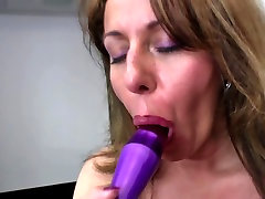 Sexy old mom with arab long durations tery nova sex and thirsty vagina