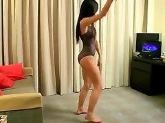 HOT BIKINI DANCE 02