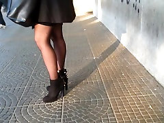 candid desi tube close in bus stop 303