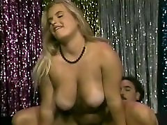 Chubby blonde brushing her hard pussy got black dick litina maid big tits