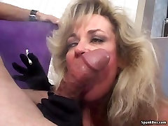 Sexy girls crrying firsz tube smokes and sucks cock