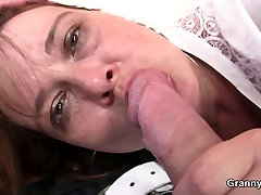 Boozed mom gets her old kendra lust cheats pounded