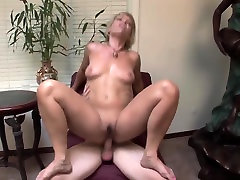 Kinky mature cougar fucks really good TOP MATURE