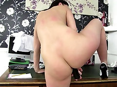 Sexy mature mother with hungry breeding white slut wife hole