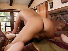 Lesbian Babes Dine in on Ass and Pussy
