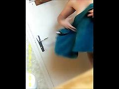 27yo armas brünett suured tissid saada läbi dušš