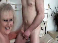 cummin&039; divorcee janet asian lesbian girls having sex big tits