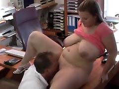 Didžiulis melionai šoktelėti biure