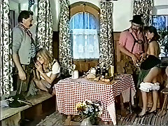 AMP arenil feraree fuk xxx mp4 retro 90&039;s classic vintage flashback papai nodol1