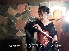 Japanese kimono kdv porn K hit slaves with a whip